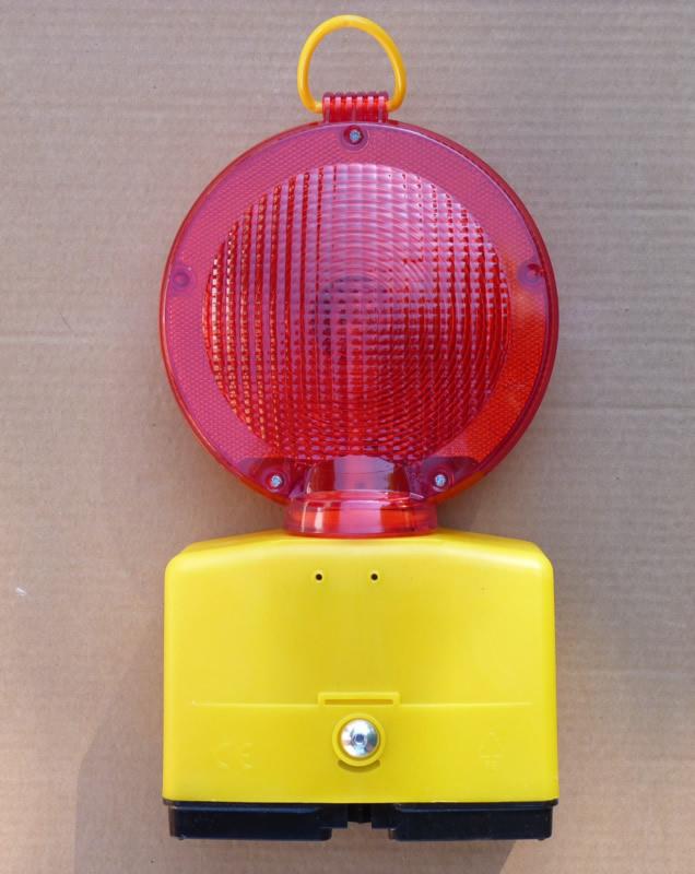 lampe lentille rouge lampes de chantier signalisation. Black Bedroom Furniture Sets. Home Design Ideas